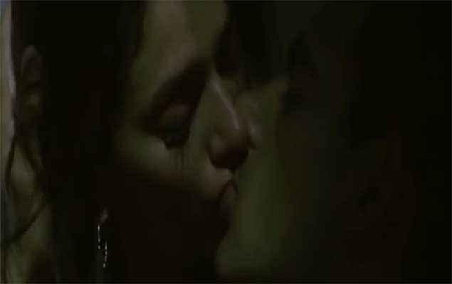 Yeh Saali Zindagi Arunoday Singh Aditi Rao Hydari Hot Lip Kiss Scene Stills
