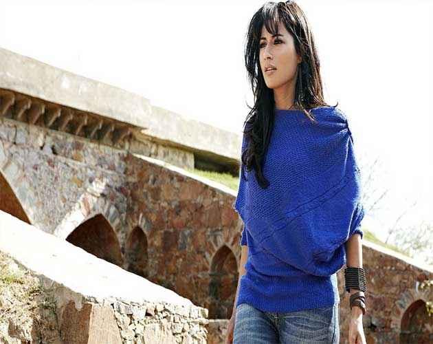 Yeh Saali Zindagi Chitrangada Singh In Blue Skirt And Jeans Stills