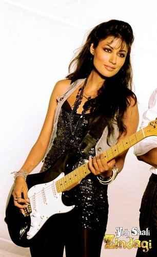 Yeh Saali Zindagi Chitrangada Singh With Guitar Stills