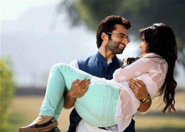 Youngistaan Jackky Bhagnani Neha Sharma Romance Stills