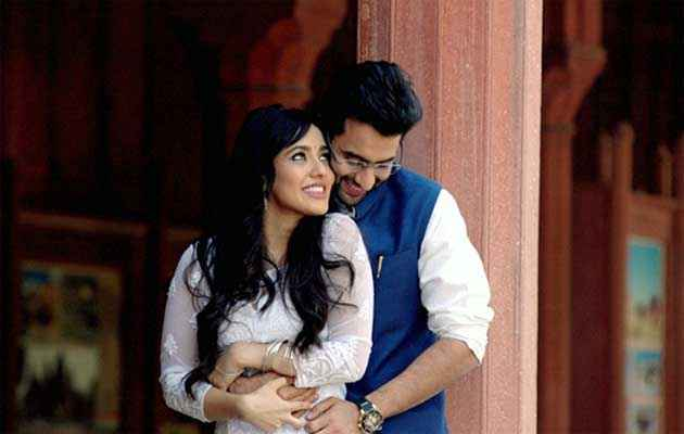 Youngistaan Jackky Bhagnani Neha Sharma Romantic Scene Stills