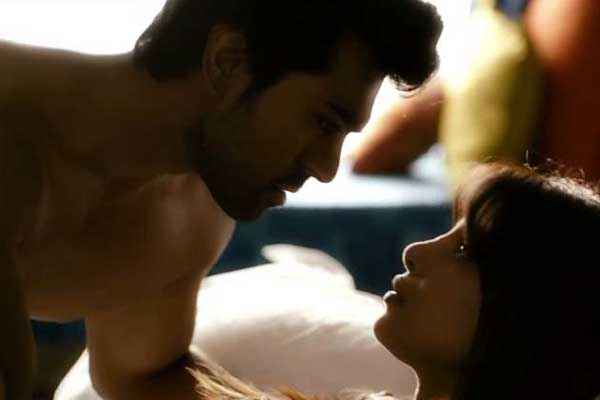 Zanjeer 2013 Ram Charan Teja Priyanka Chopra Hot Pics Stills