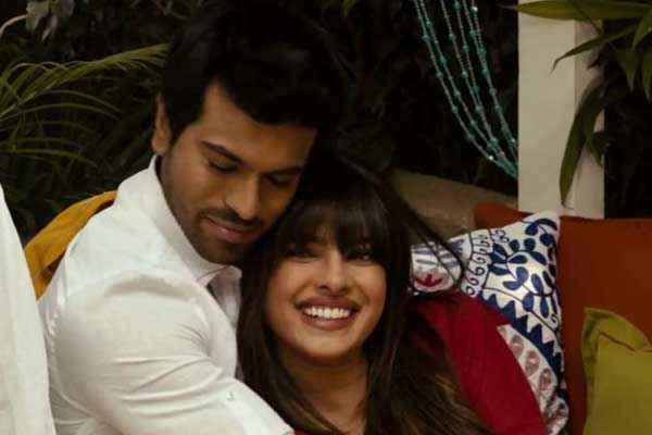 Zanjeer 2013 Ram Charan Teja Priyanka Chopra Romantic Pics Stills