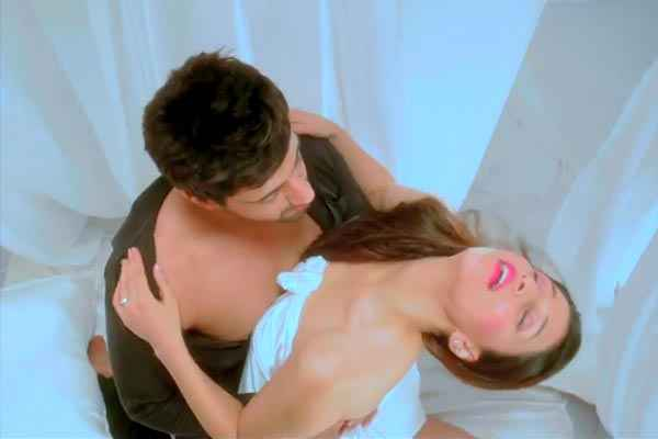 Zid Karanvir Barbie Handa Romance Stills