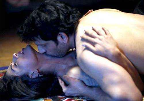 Zindagi 50 50 Hot Bedroom Scene Stills