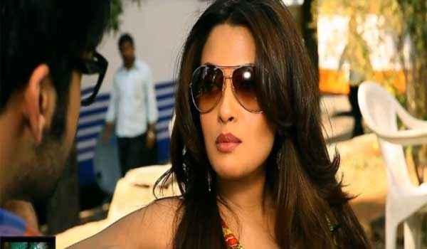 Zindagi 50 50 Riya Sen with Goggles Stills